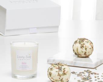 Lavender Bath Gift Set - Relaxing Pamper Gift - Stress Relief Gift - Lavender Bath Bomb - Lavender Natural Candle - Gift for Mum, Vegan Bath