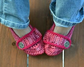 Variegated crochet slippers, womens slippers, crochet booties, crochet shoes, crochet socks, colorful slippers, tie dye slippers in pinks