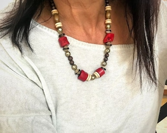 Red Coral necklace for women. Statement gemstone necklace. Beautiful bohemian jewelry with gemstone. Beaded Coral necklace.