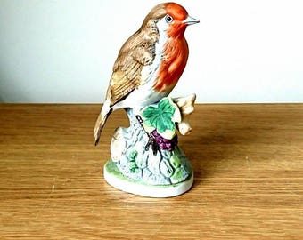 Vintage Bird Figurine Robin Beswick Style Red Bird on Branch Red Robin Christmas Decoration collectable birds Ceramic