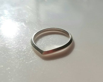 Triangle arch sterling silver ring, size 6.5