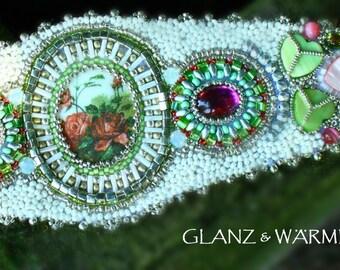 MY rose garden bracelet - beadwork