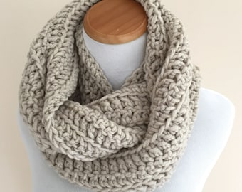 THE ARIES - Chunky Infinity Scarf, Wool-blend, Crochet Infinity Scarf / Linen