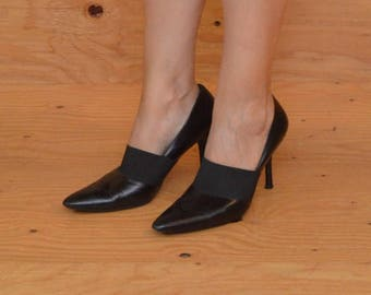 Vintage 90's Style Lovely Black Leather High Heels Pointed Toe, SZ 9