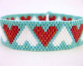 Hearts Bracelet / Peyote Bracelet / Beaded Bracelet in Red, White and Turquoise / Seed Bead Bracelet / Thin beaded Bracelet / Romantic