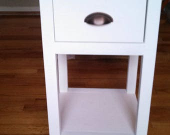 Farmhouse One-Drawer Nightstand