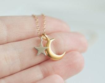 Lune et étoiles collier - croissant or Collier - Collier étoile en argent Sterling - délicat collier tous les jours