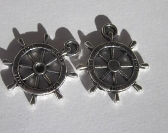 2 charms of 2.3 cm metal ship wheel (6213)