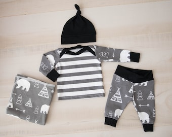 Baby Boy Coming Home Outfit // baby shower// Bears and Teepees Organic Cotton Pants, Knot Hat, Lap Tee, Swaddle, Mitts