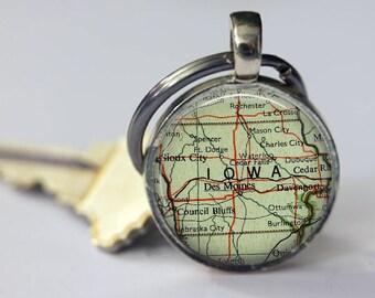 Iowa Vintage Map Keychain, grandpa keychain, key chains for women, bottle opener key chains, anniversary keychain, Iowa retirement keychain