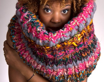 Thick Knit Scarf, Chunky Knit Scarf, Knit Infinity Scarf, Knit Chunky Scarf, Knit Cowl Chunky, Knit Cowl, Knit Chunky Cowl - Rogue
