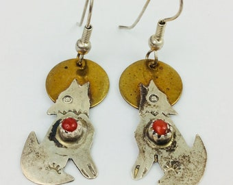 """Vintage Pair of Navajo Native American Howling Wolf Coral Gold Tone & Silver Sterling? Earrings 1"""""""