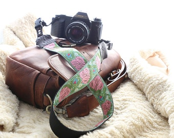 Pink DSLR Camera Neck Strap with Hand Camera Strap -- 1.5 inches wide DSLR Camera Strap -- The 'Vivian' Floral Camera Strap