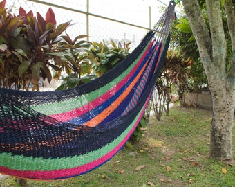 Traditional hammock inspired by the traditional Pipil woman dress, hand knitted.
