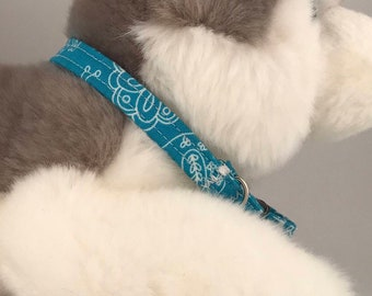 Small Pet Collar, Blue Paisley