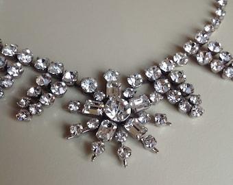 Fabulous condition Rhinestone Vintage necklace
