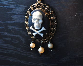Necklace mid-length style pirate, pirate