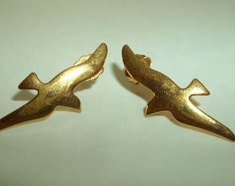 Simply whispers Hypoallergenic Gold Seagull, Bird Earrings.