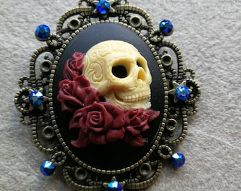 Sugar skull necklace, skull jewellry, skull cameo, gothic Necklace, Fantasy necklace, Dead of the dead, Dia de los Muertos