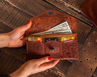 Passport wallet,Engraved Wallet gift,Custom leather wallet,Women leather handbag,Wallet for women,Engraved leather wallet