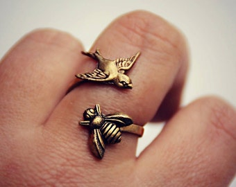 bird ring, birds and bees ring, bee ring, bird accessories, bee jewelry, bee accessories, spring fashion, vintage style
