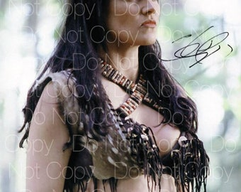 Xena Warrior Princess signed Lucy Lawless 8X10 photo picture poster autograph RP