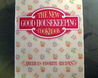 The New Good Housekeeping Cookbook Vintage 1986 First Edition Hard Bound with Dust Cover Hearst Books, ISBN 0688038972