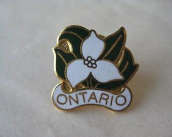 Trillium Flower Ontario Lapel Pin Tie Tack Enamel White Green Gold Vintage Canada