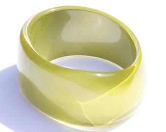 GREEN BANGLE BRACELET, moonglow effect olive green asymmetrical bangle, vintage retro lucite bangle, narrow green bangle, gift for her