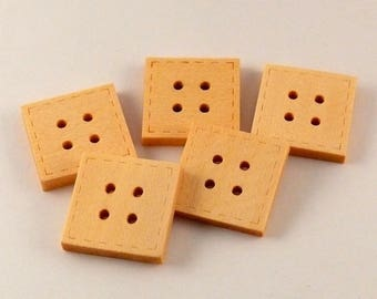 LOT 6 4 hole 20 mm square wood buttons