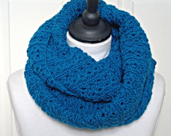Knit infinity scarf, turquoise loop scarf, blue circle scarf, ladies blue scarf, Winter accessories, cosy scarf, chunky scarf, uk scarves