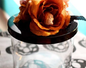 Storage Jar with skull Roses