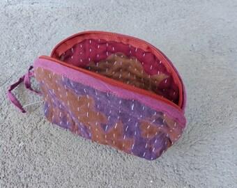 Trousse - pochette à maquillage- porte monnaie : upcycling de coton vintage violet et orange