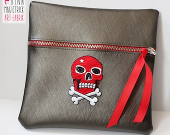Kit multi-purpose with red skull applique on golden brown leatherette #0038