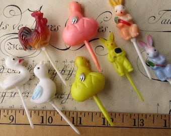 8 Vintage Plastic Easter Food Picks Cake Decorations Cupcakes Roosters Chicks Old Store Stock Mix C