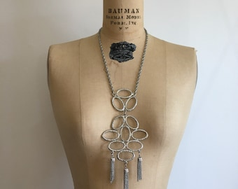 Vintage 1960s 1970s Silver Runway Tassel Necklace 60s 70s