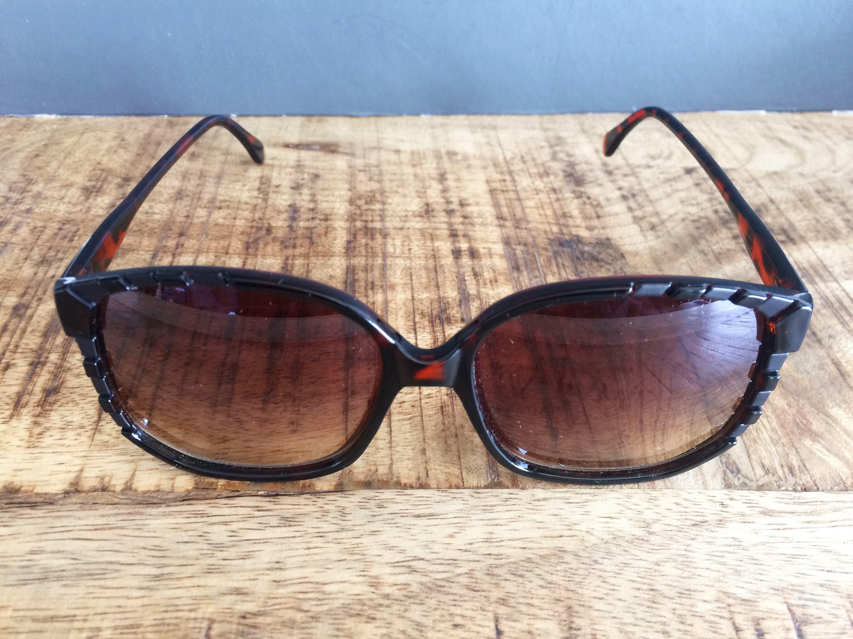 Gafas de sol de Carey oscuro Vintage marco Pentagonal