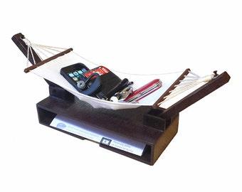 Hammock Valet - A relaxing desk organizer