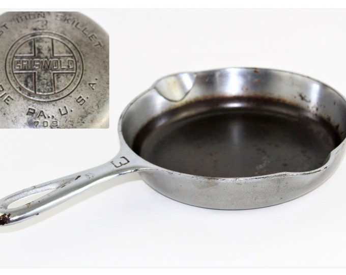 1930s  Griswold #3 Cast Iron Skillet 709 with Du Chro Finish