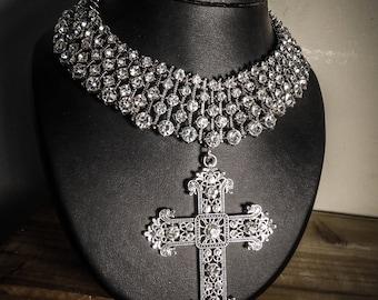 Necklace rhinestone glam and shine Fashionista