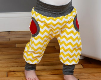 Sewing pattern for baby pants with cuffs and faux pockets // photo tutorial // 0-6T  // #6