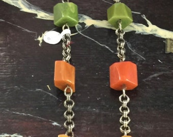1950s bakelite long necklace with metal chain between beads,multicolors