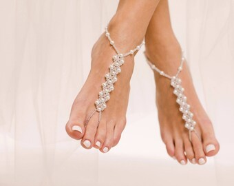 Pearl Barefoot Sandals Bridal Jewelry Wedding Foot Jewelry Beach Wedding Anklet Bridesmaids Gift Bridal Foot Jewelry Foot Thong Barefoot