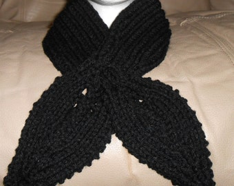 Adult Knitted Black Keyhole Scarf