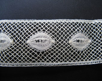 Beautiful antique French side! High ca. 2 cm, length meter...ca 1.10.1925!