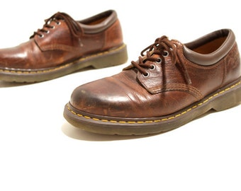 mens size 9 DOC MARTENS style brown leather 90s BROGUES 4 eyelets shoes