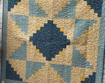Log Cabin Quilt Pattern Quilted Throw Blanket