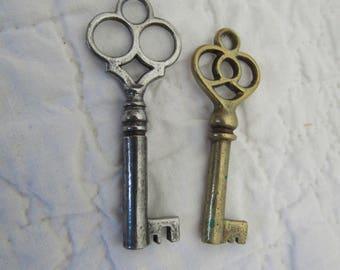 Vintage Skeleton Keys lot of 2
