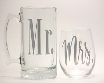 Mr. and Mrs. Beer Mug and Wine Glass/His and Hers/Beer Mug/Wine Glass/Wedding Present/Wedding/Couple gifts/Couple drink glasses/Mr and Mrs