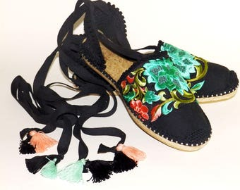 Black lace up espadrilles with studs. Flower embroidery. Organic Cotton.  Alpargatas made in Spain